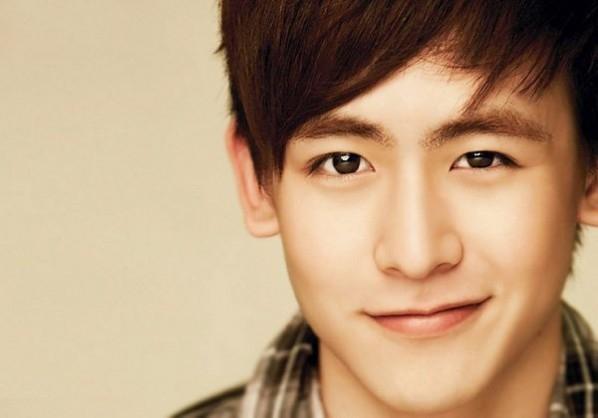 นิชคุณ (Nichkhun) วง 2PM