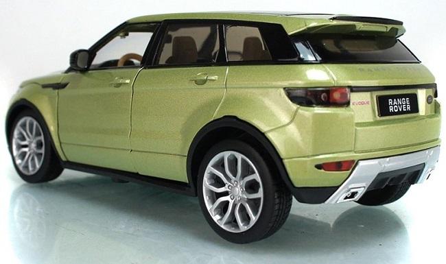 โมเดลรถเหล็ก โมเดลรถยนต์ Land Rover Evoque 4 doors เขียวอ่อน 2