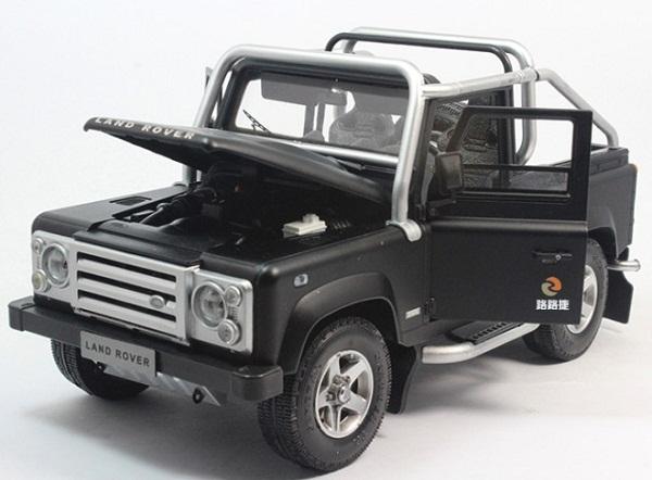 โมเดลรถ โมเดลรถเหล็ก โมเดลรถยนต์ Land Rover Defender SVX black 4