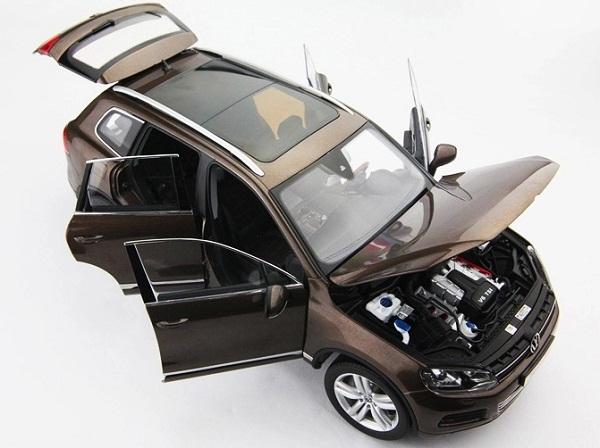 โมเดลรถ โมเดลรถเหล็ก โมเดลรถยนต์ Volkswagen Touareg 2010 brown 4