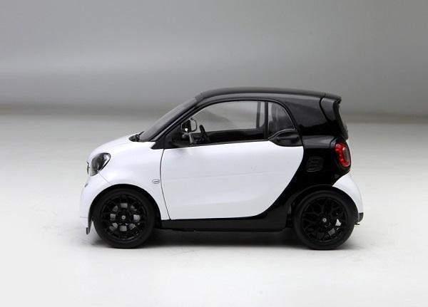 โมเดลรถ โมเดลรถเหล็ก โมเดลรถยนต์ Benz Smart white 3