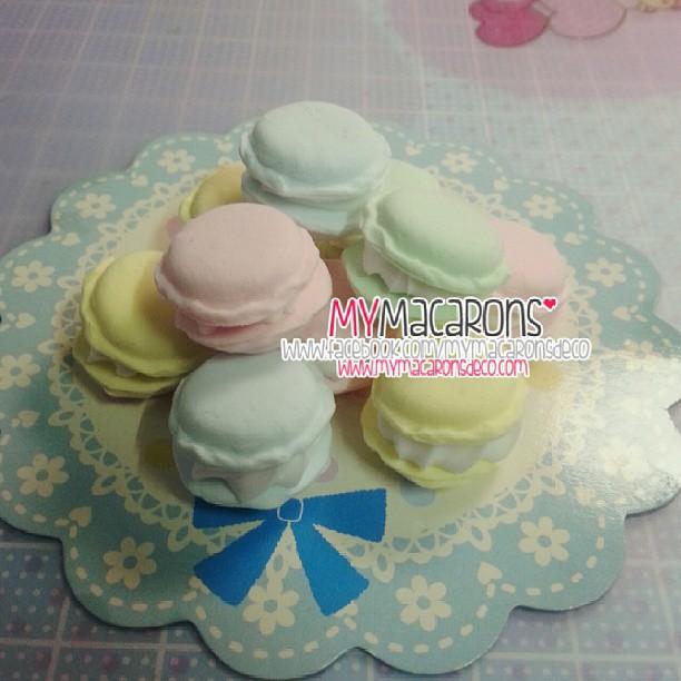 Macarons 10 ชิ้น ( คละสี )