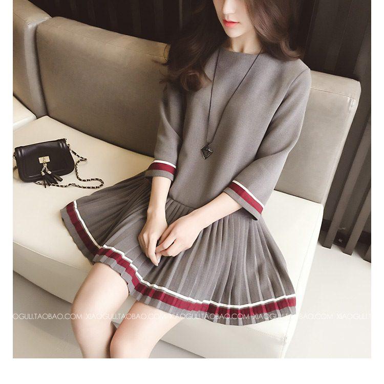 **สินค้าหมด Dress4084 เดรสแขนยาวทรงสวยสีพื้นเทา แต่งแถบสีขาวแดง กระโปรงจับจีบรอบ มีซิปหลังใส่ง่าย งานดีมีซับในทั้งชุด ผ้าเนื้อดีมีน้ำหนักทิ้งตัว ผ้านุ่มใส่สบาย งานสวยใส่ง่ายน่ารักมาก