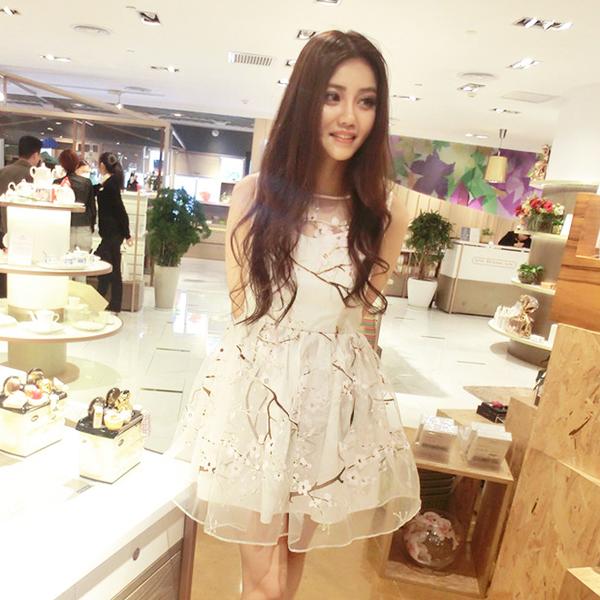 **สินค้าหมด Dress3878 ชุดเดรสน่ารัก ตัดเย็บด้วยผ้าไหมแก้ว Organza ลายดอกไม้โทนสีชมพูขาว งานดีมีซับในทั้งชุด