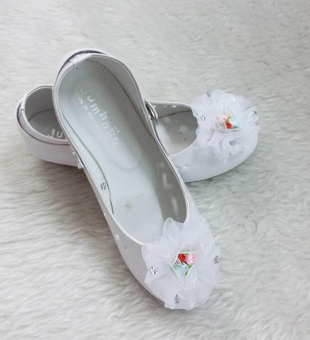 รองเท้าคัทชูหญิง สีขาว มีสายรัดหมุนเก็บได้ ไซส์ 19-36