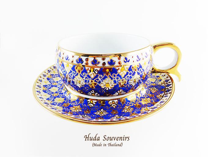 ของที่ระลึก แก้วกาแฟเบญจรงค์ หูกรรไกร ลวดลายดอกพิกุล โทนสีน้ำเงิน ลายเนื้อนูนเคลือบผิวเงา สินค้าพร้อมส่ง (ราคาไม่รวมกล่อง)