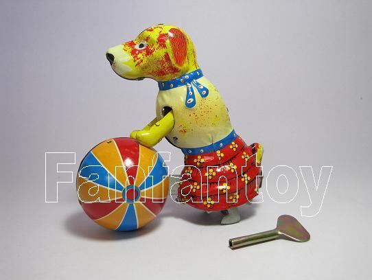 น้องหมาเข็นบอล สังกะสีไขลาน