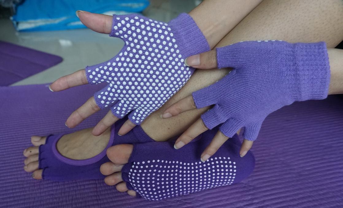 (พรีออเดอร์) ถุงมือ ถุงเท้าโยคะ กันลื่น YKSM30-37