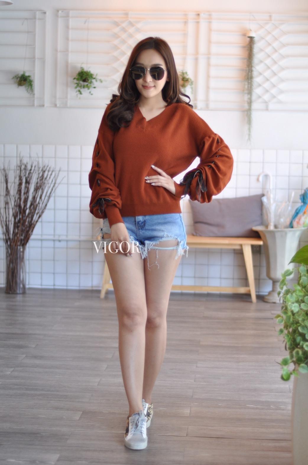เสื้อผ้าเกาหลีพร้อมส่ง เสื้อไหมพรม Korea Design งานผ้าไหมพรมอย่างดี