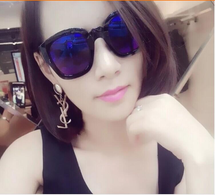 แว่นตากันแดดแฟชั่นเกาหลี กรอบดำมันเลนส์สีฟ้าสุดไฮโซ
