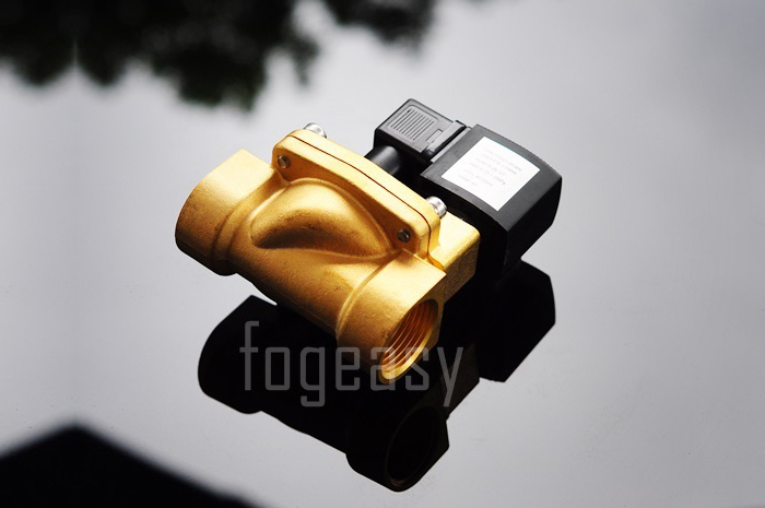 """โซลินอยด์วาล์วทองเหลือง N/C 220V AC 1 1/2"""""""