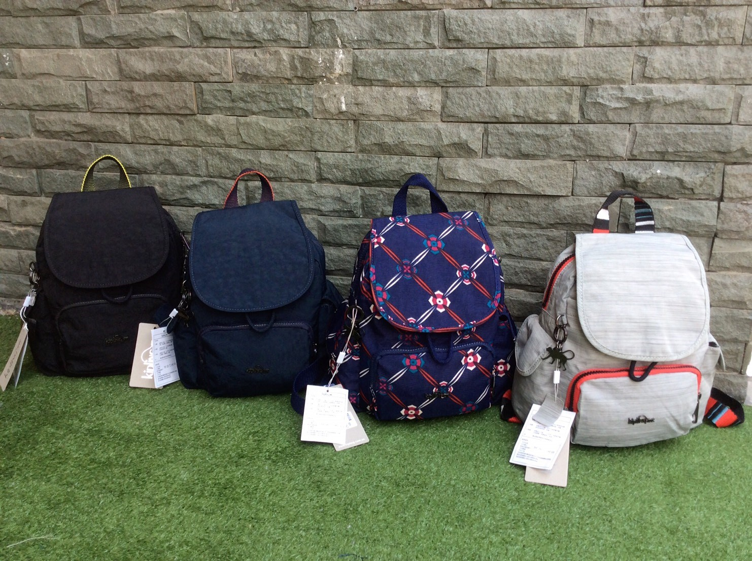 Kipling k23525 Casual Lightweight Backpack Outlet HK มี 4 สี.ให้เลือก