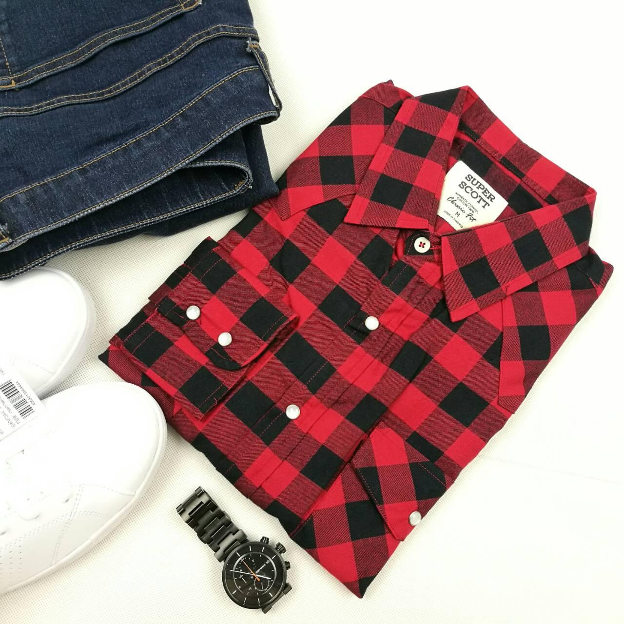 เสื้อลายสก๊อตสีแดงดำ