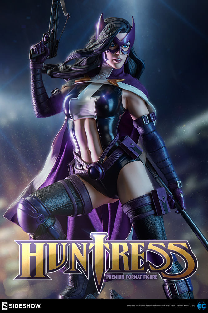 Huntress - Premium Format™ Figure by Sideshow Collectibles