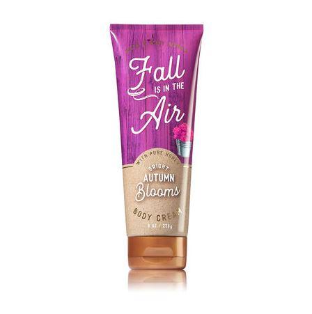 **พร้อมส่ง**Bath & Body Works Fall is In The Air (Bright Autumn Blooms) Body Cream with Pure Honey 226 g.ครีมบำรุงผิวสูตรใหม่ที่มีส่วนผสมพิเศษของน้ำผึ้ง สำหรับผิวที่ต้องการการบำรุงเป็นพิเศษ อีกทั้งยังมีกลิ่นหอมของดอกไม้หอมนานาพันธุ์ บวกกับกลิ่นหอมนุ่ม ,