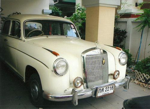 ขายด่วน!!! รถโบราณ Benz 220 สีขาว หายาก อายุกว่า 50ปี!!