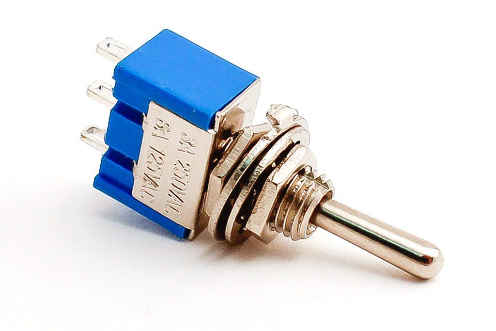สวิทช์โยก SPDT Switch 3 ขา MTS-103 ON-OFF-ON