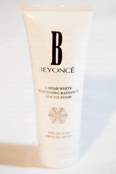 Beyonce Caviar White Form โฟมล้างหน้าคาเวียร์ ไวท์ ไวท์เทนนิ่ง เรเดียนซ์ ซอฟท์ลื่ โฟม