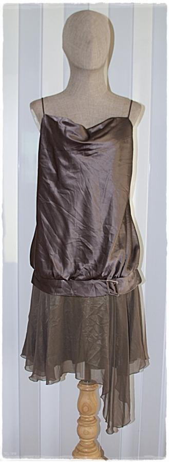 เดรส เสื้อสายเดี่ยว ผ้าซาติน กระโปรง ผ้าชีฟอง สีเขียวขี้ม้า