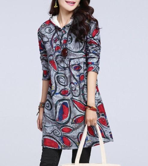 ((พร้อมส่ง)) เสื้อผ้าแฟชั่นผู้หญิง : เสื้อแฟชั่นตัวยาวสีเทาแต่งลายกราฟฟิกสีสัน มี hood น่ารัก น่ารักจ้า
