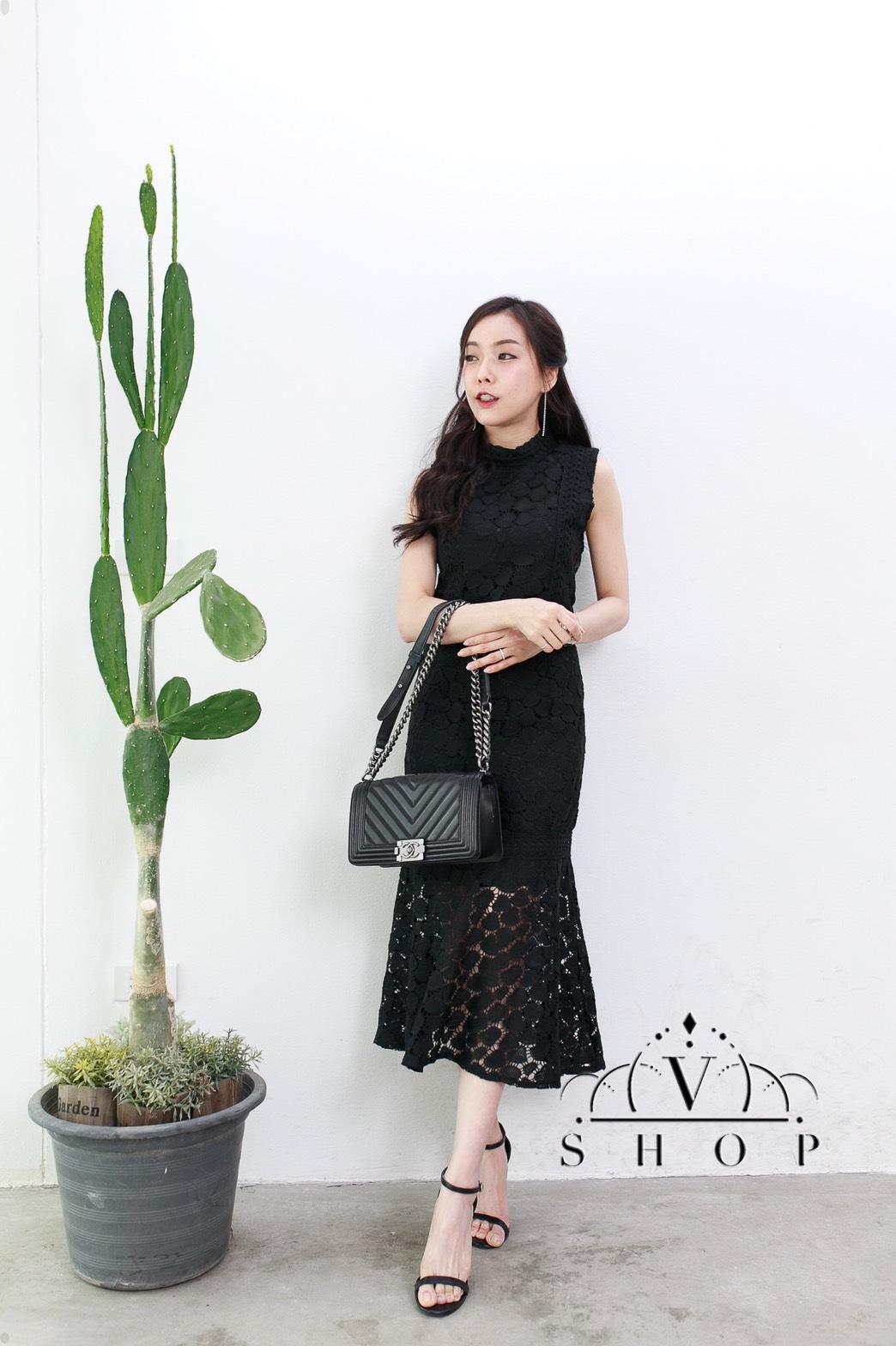 แฟชั่นชุดเซ็ทสีดำ เสื้อครอปแขนกุด + กระโปรงยาวเอวสูง ผ้าลูกไม้ น่ารัก