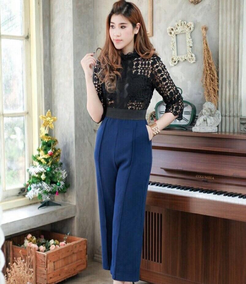 ชุดเดรสกางเกงสวยหรู ดูดี เสื้อแขนสามส่วน ผ้าลูกไม้สีดำ ต่อด้วยกางเกงสีน้ำเงินขายาว