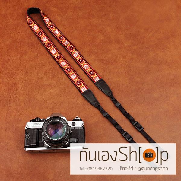 สายกล้องคล้องคอ cam-in Red Daisy