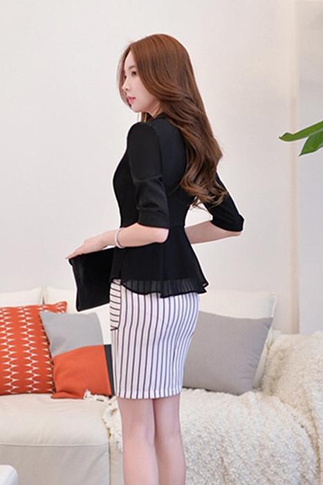 เสื้อสูทแฟชั่น เสื้อสูทผู้หญิง สีดำ แขนพับสามส่วน แต่งระบายด้านหลังด้วยผ้าชีฟอง