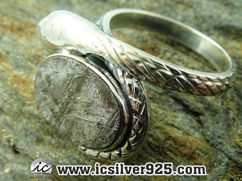 ▽หินดาวตกกีเบียน GIBEON METEORITE-แหวนเงินแท้ 925 (SIZE 9) 7.2g