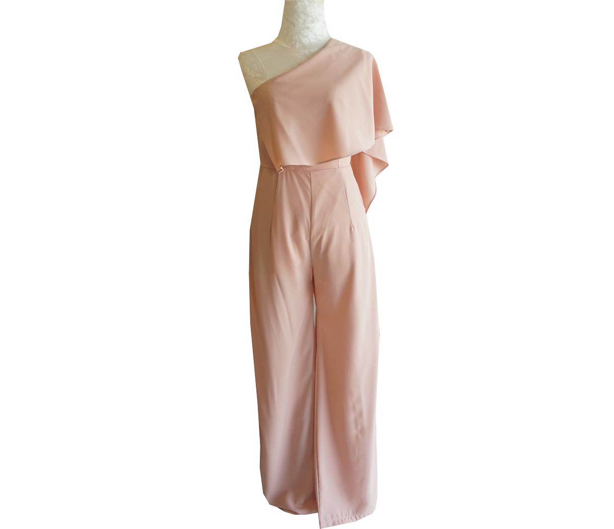 ชุดจั๊มสูทกางเกงขายาวสีชมพู ไหล่เฉียงสไบข้าง : สินค้าพร้อมส่ง S M L