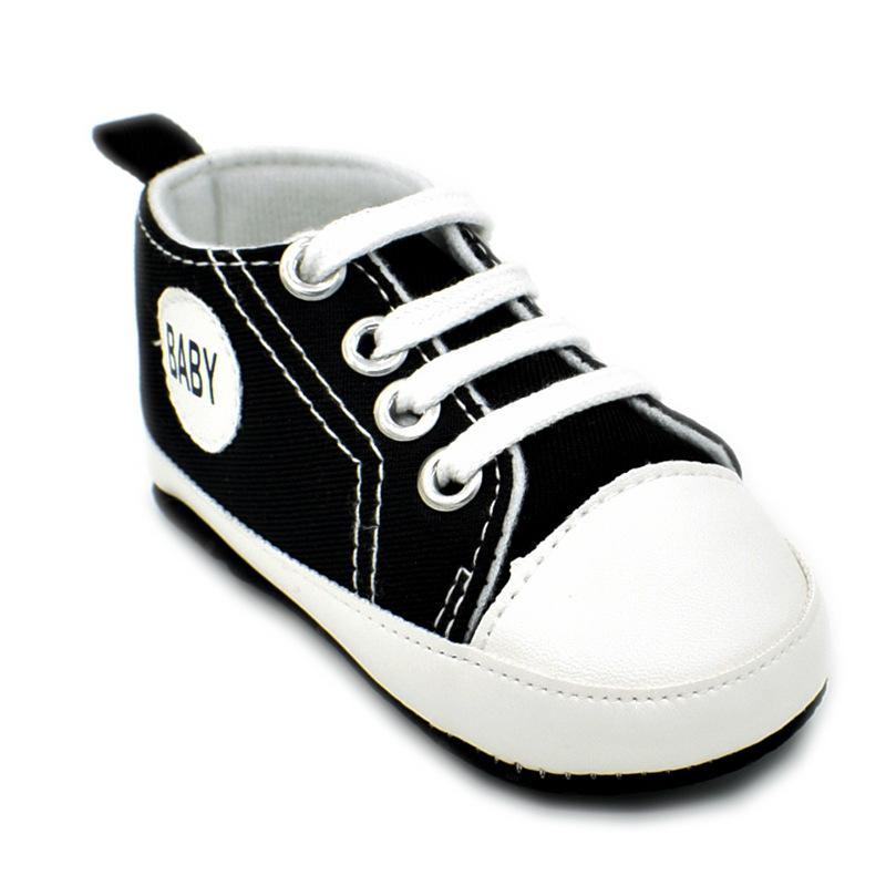 รองเท้าผ้าใบพื้นนุ่ม