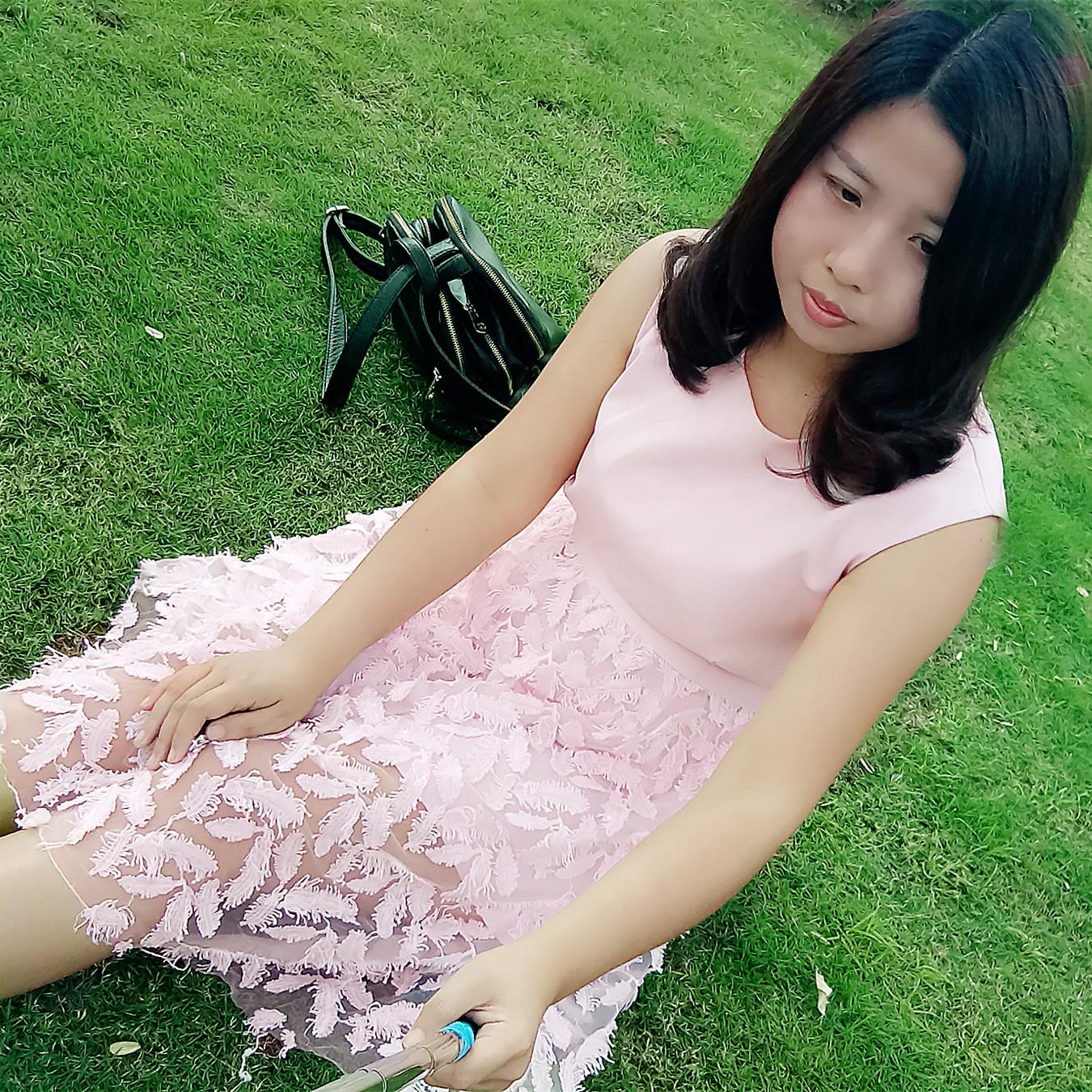 รีวิวชุดเดรสสีชมพู
