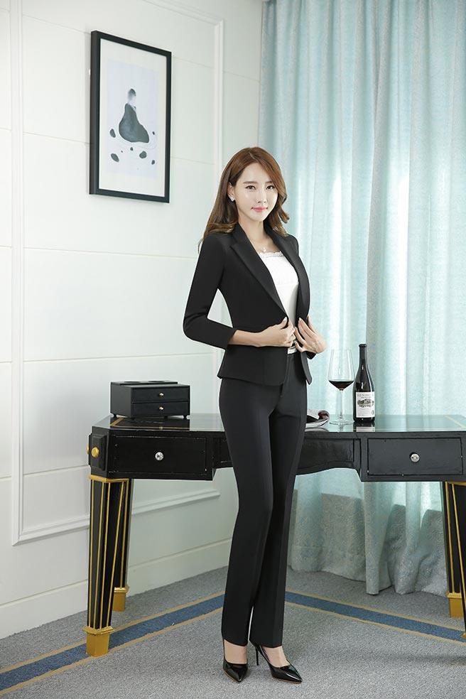 เสื้อสูทผู้หญิง เสื้อสูทแฟชั่น สีดำ แขนยาว คอปก เรียบๆ ใส่ทำงานได้