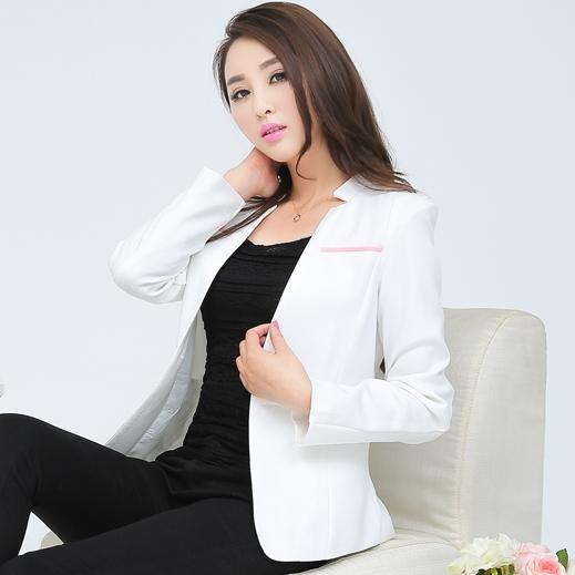 เสื้อสูททำงานผู้หญิงสีขาว แขนยาว ทรงสวย ลุคสาวทำงานออฟฟิศสวยหวาน ดูดี