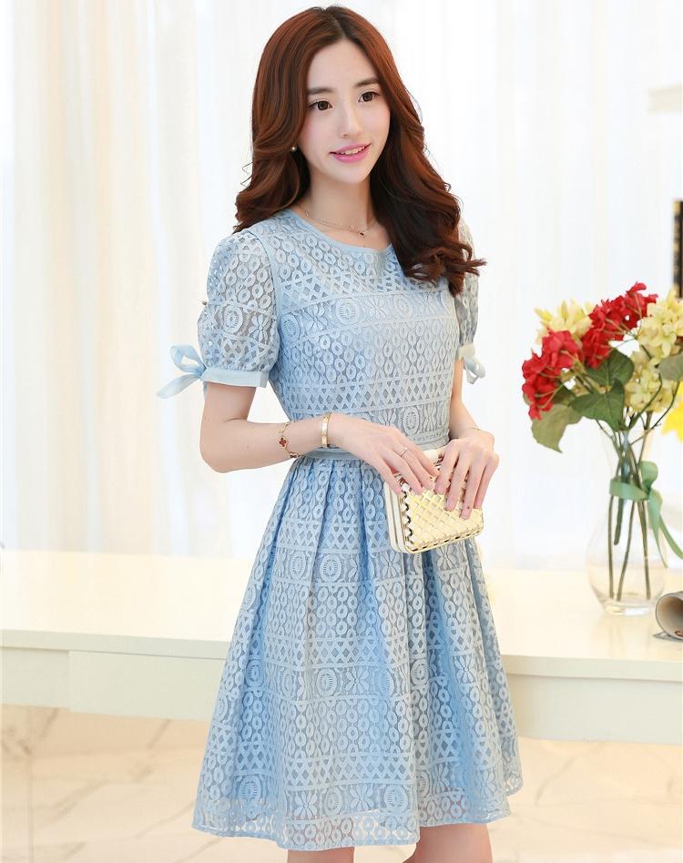 ชุดเดรสลูกไม้สีฟ้า แขนสั้น ลุคสาวหวาน เรียบร้อย น่ารักๆ เหมาะใส่ไปงานแต่งงาน งานเลี้ยงสังสรรค์แบบสบายๆ