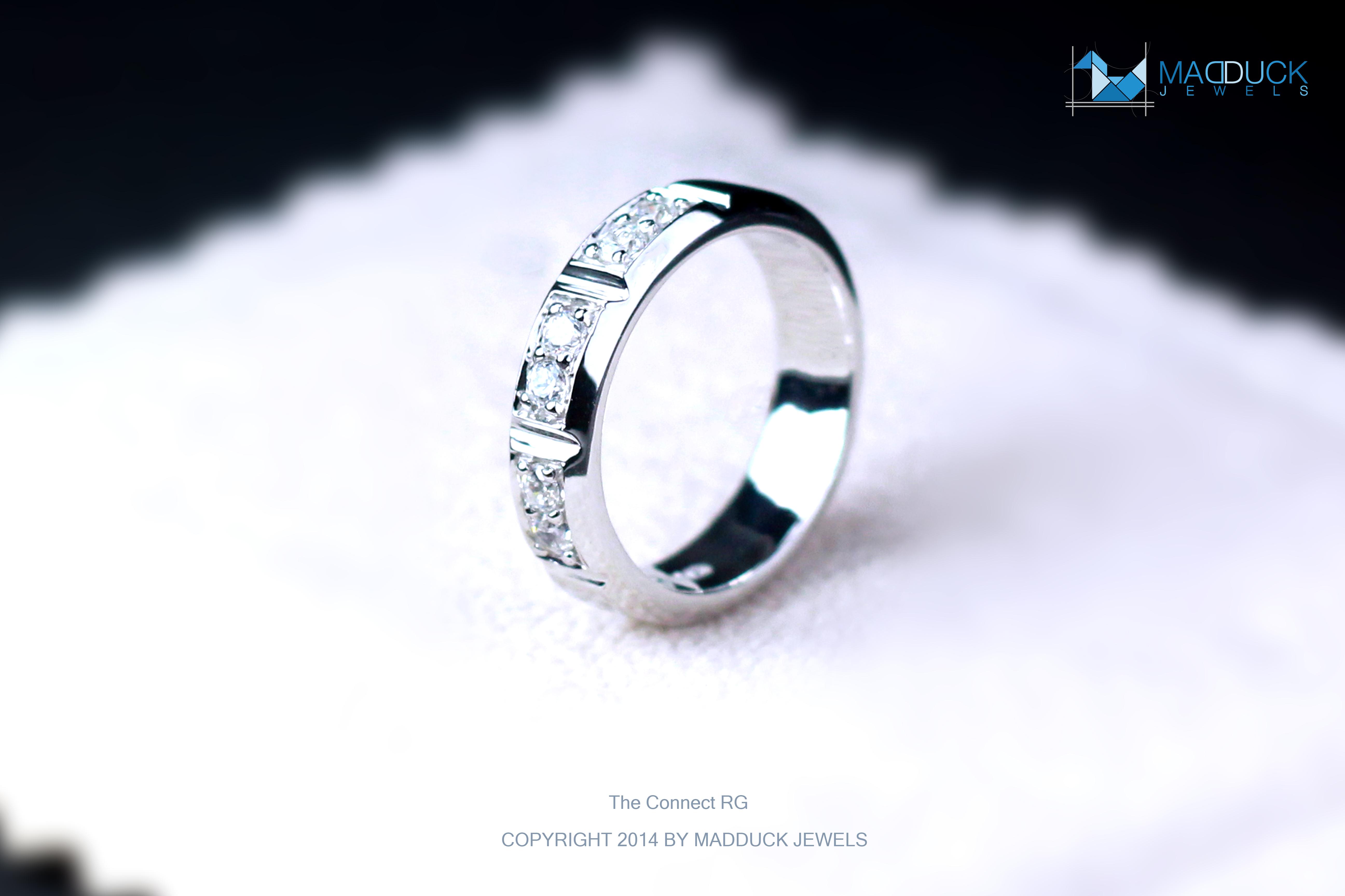 แหวนเงินแท้ เพชรสังเคราะห์ ชุบทองคำขาว รุ่น RG1468 The Connect