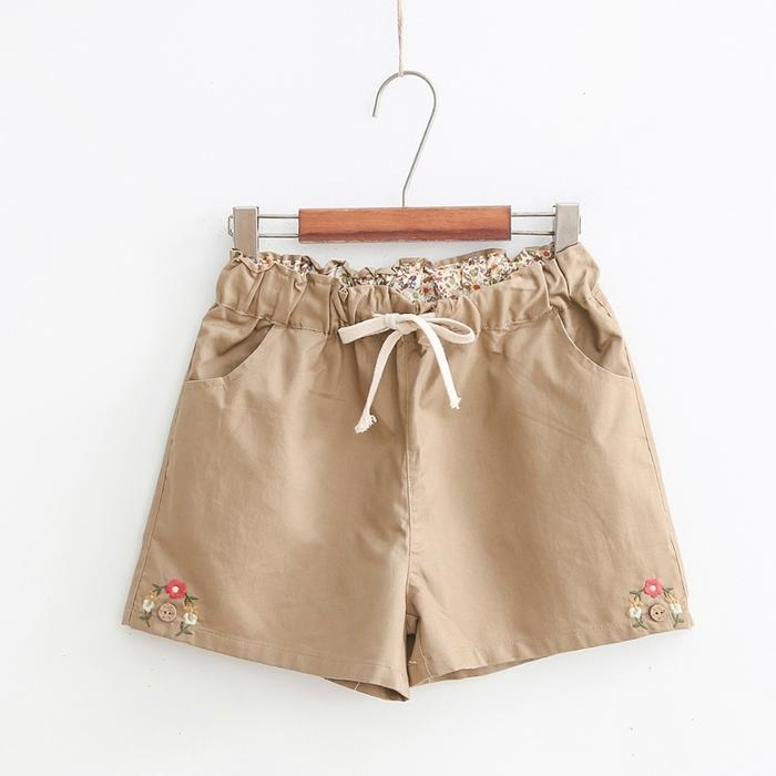 กางเกงขาสั้นเอวยืดปักแต่งลาย (มีให้เลือก 2 สี)