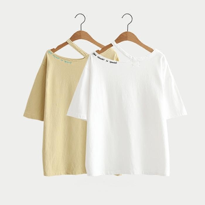 เสื้อยืดตัดแต่งคอเสื้อปักลาย แขนสั้น (มีให้เลือก 2 สี)