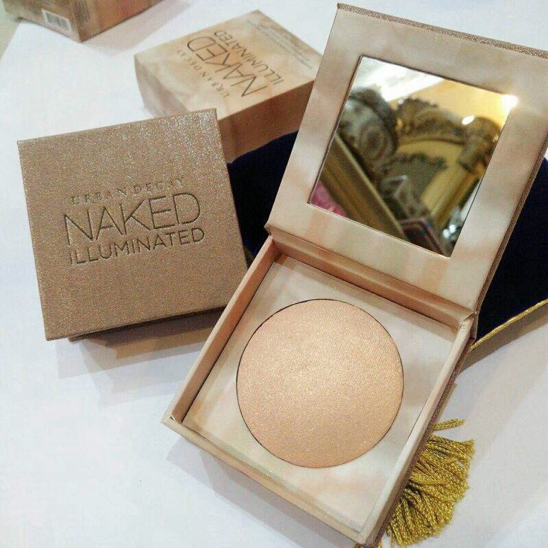 #Urban Decay Naked Illuminated Shimmering Powder For Face And Body 6g.