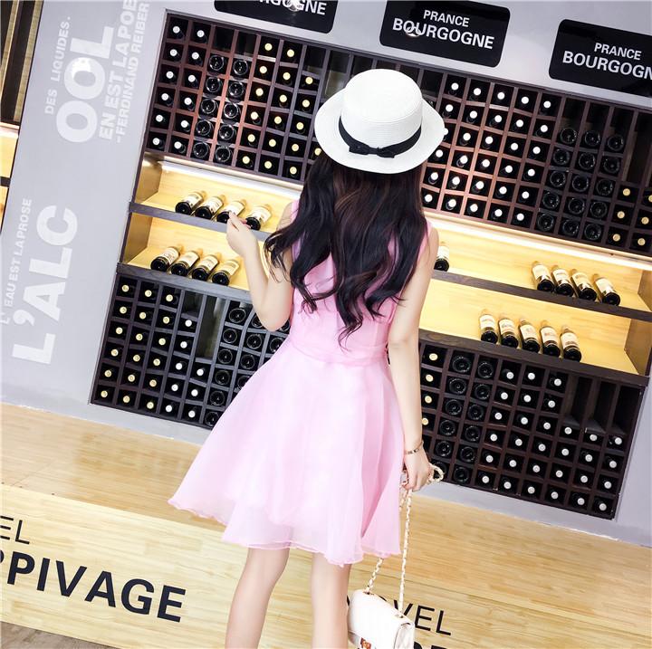 ชุดเดรสแฟชั่นเกาหลีสีชมพูแขนกุดกระโปรงบานน่ารักๆ
