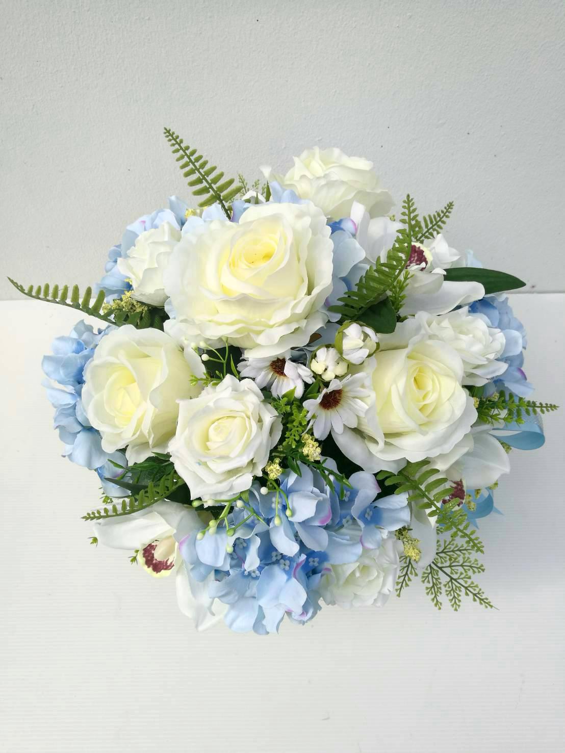 แจกันดอกไม้ประดิษฐ์ทรงกลมโทนฟ้า-ขาว รหัส 3092