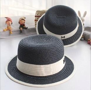 [พร้อมส่ง] H5674 หมวกสาน ทรงเค้ก Boater Hat สีดำ ตกแต่งด้วยแถบผ้าสีขาวและไอค่อนตัว M สวยเก๋ สไตล์ chanel