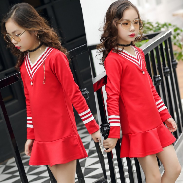 ชุดกระโปรง สีแดง แพ็ค 5 ชุด ไซส์ 110-120-130-140 (เลือกไซส์ได้)