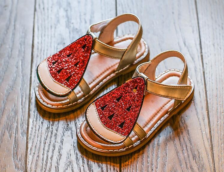 รองเท้าเด็กแฟชั่น สีแดง แพ็ค 5 คู่ ไซต์ 26-27-28-29-30