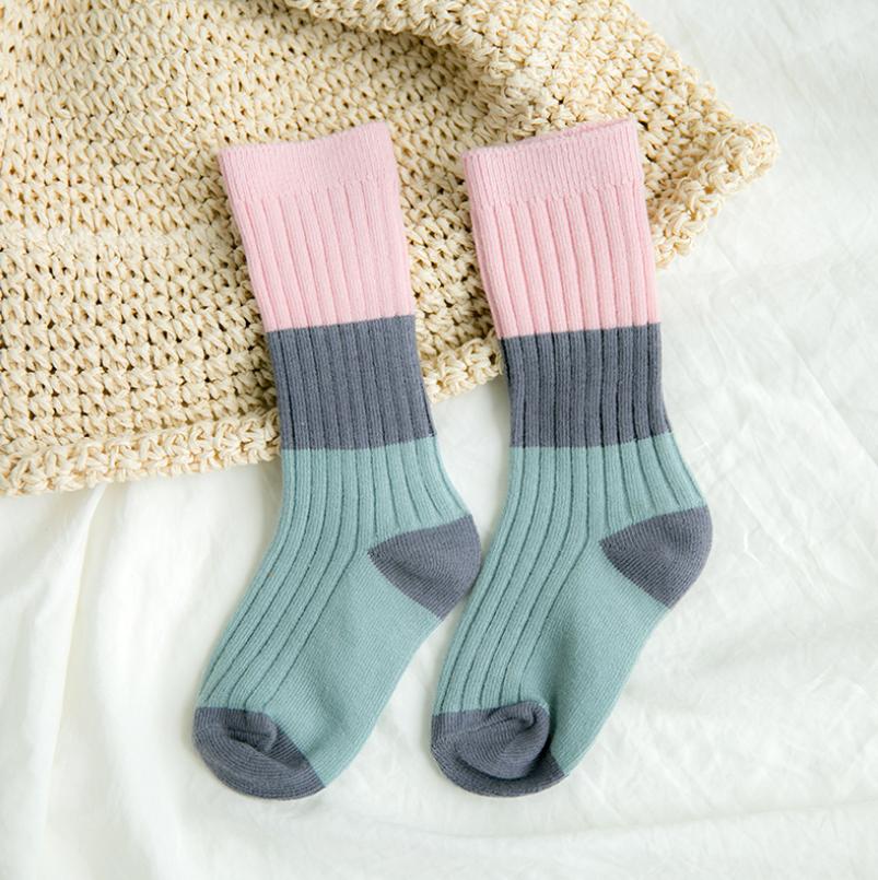 ถุงเท้ายาว แบบที่2 แพ็ค 12คู่ ไซส์ M (ประมาณ 3-5 ปี)