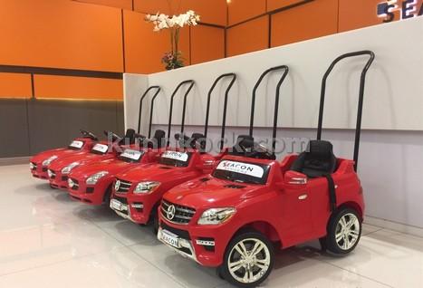 รถเข็นเด็กในห้างสรรพสินค้า รุ่นเบ็นซ์ อิน ดีพาร์ท -แดง