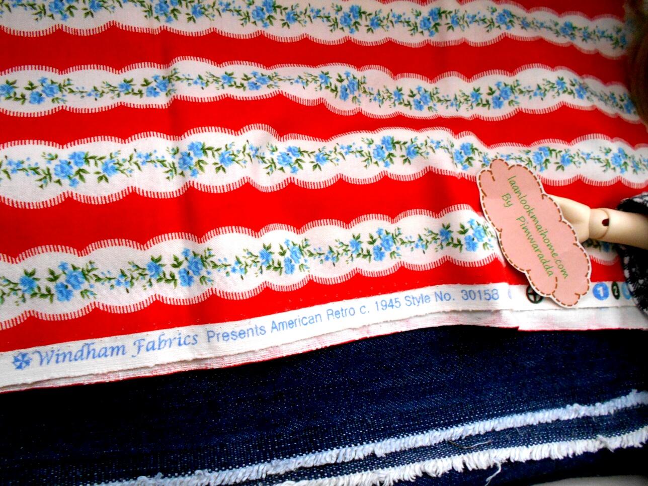 ผ้าcotton สั่งจาก USA ลายกุหลาบ 27x45 cm+ผ้ายีนส์ขนาด 30x50cm สั่งหลายจำนวนผ้าต่อกันค่ะไม่ตัดแยกค่ะ