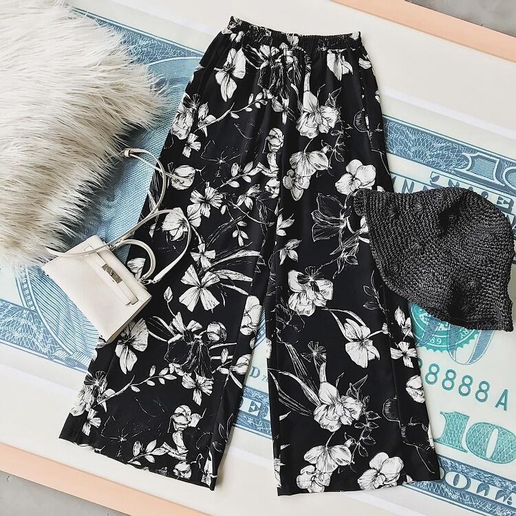 [Preorder] กางเกงแฟชั่นขายาวลายดอกไม้ สีดำ (2018 new high waist floral wide leg pants female summer thin section loose nine pants chiffon drape Korean wide leg pants)