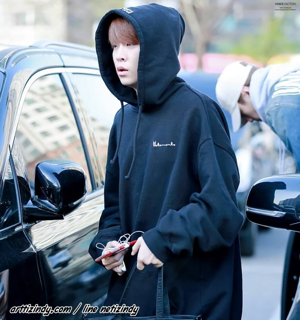 Hoodie Champion Black Sty.Youngjae GOT7 -ระบุสี/ไซต์-
