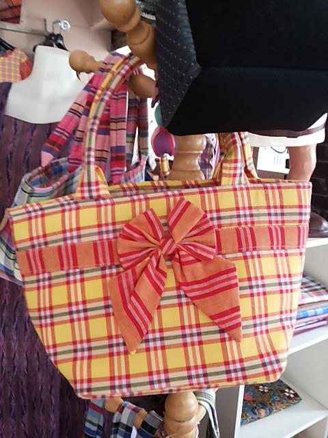 กระเป๋าผ้าขาวม้า หลายขนาดหลายแบบ รับงานสั่งทำ